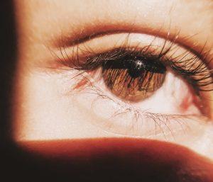come ridurre le occhiaie e le borse