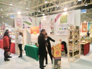 Roberta e Roberta presentato i prodotti ai visitatori.